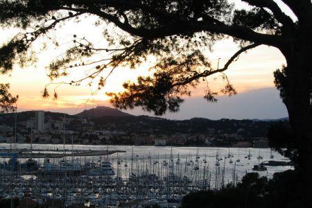 Blick gegen La Seyne in Frankreich