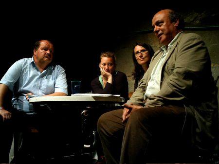Diskussionsrunde zum Kulturförderungsgesetz mit Felix Müri, Aline Trede, Diskussionsleiterin Brigitte Mader und Hans Läubli (v.l.).