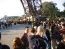 Warteschlange vor dem Eiffelturm